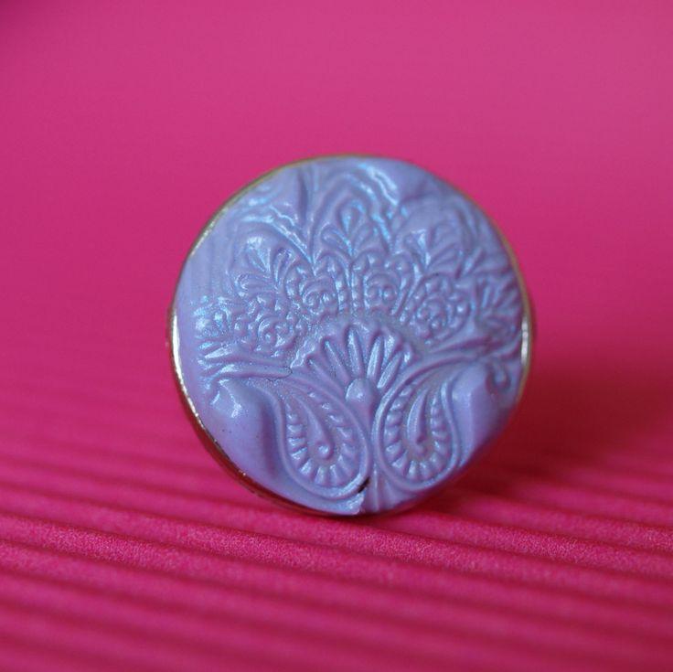 Prsten velký - orient Prsten opr.2cm s otiskem zfialového pastelovéhofima s pudrem s odlesky modrofialové. - polymer by teruberu