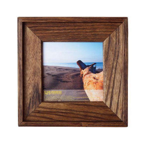 再利用の木材を一つ一つ手作業で裁断、研磨、着色した、シンプルなスクエアサイズのフレーム。instagramで撮った写真を飾るのにぴったりです。中に入れる物を引...|ハンドメイド、手作り、手仕事品の通販・販売・購入ならCreema。