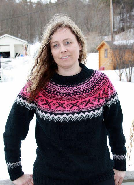 Lenashobbyblogg: Strikkaklær Norsk genser