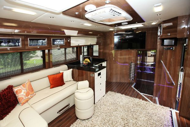 3 Luxurious Horseboxes For The Equestrian Rockstar