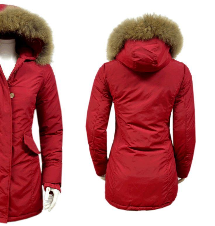 Fashion Planet heeft een ruime collectie winterjassen en bontjassen voor zowel damesals heren. Onze Heren jassen kunt u online bestellen maar u kunt deze jassen met bontkraag ook komen passen in onze winkel in Amsterdam.- Dames Rode Parka Jas met Bont DJ026 | Modedam.nl- Voor de koude Winterda