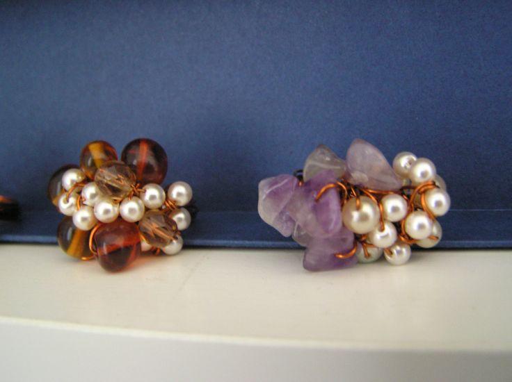 Anelli di filo di rame intrecciato con perline e quarzi ( Cristina)