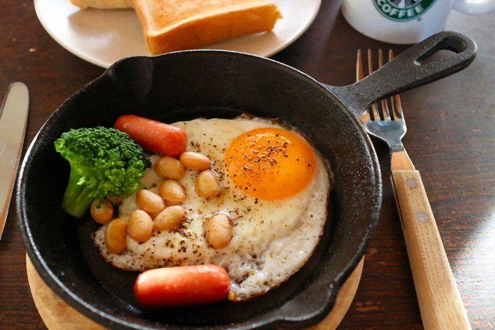 So healthy having soybeans everyday  for menopause★大豆にはイソフラボンという成分が含まれています。 イソフラボンは、その構造が女性ホルモン(エストロゲン)に似ていることから、女性ホルモンの様な作用をもっており、更年期症状の緩和や骨密度の維持に対する効果が知られてきました