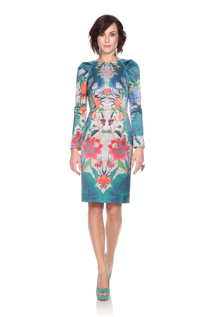 The oriental inspired print on this long sleeve lotus dress by @Temperley London adds a stunning exotic touch to the contemporary design. Worn during the day or night, this is sure to make an impact whatever the occasion. Hire now at @Wish Want Wear: http://www.wishwantwear.com/dress-hire/temperley-london/1030-long-sleeve-lotus-dress.html#