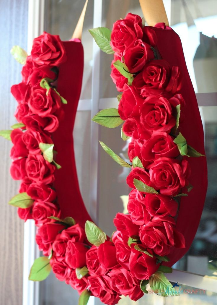 She's {kinda} Crafty: Run for the Roses Derby Wreath