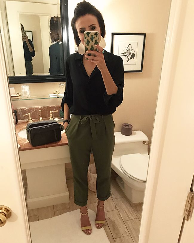 Casual comfy outfit idea that still looks chic and put together.