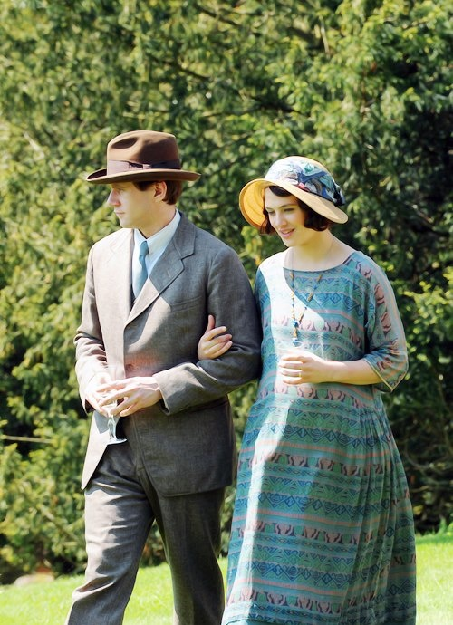 Allen Leech as Tom Branson and Jessica Brown Findlay as Lady Sybil on Downton Abbey. | More Downton Abbey photos here: http://mylusciouslife.com/historical-style-downton-abbey-photos/