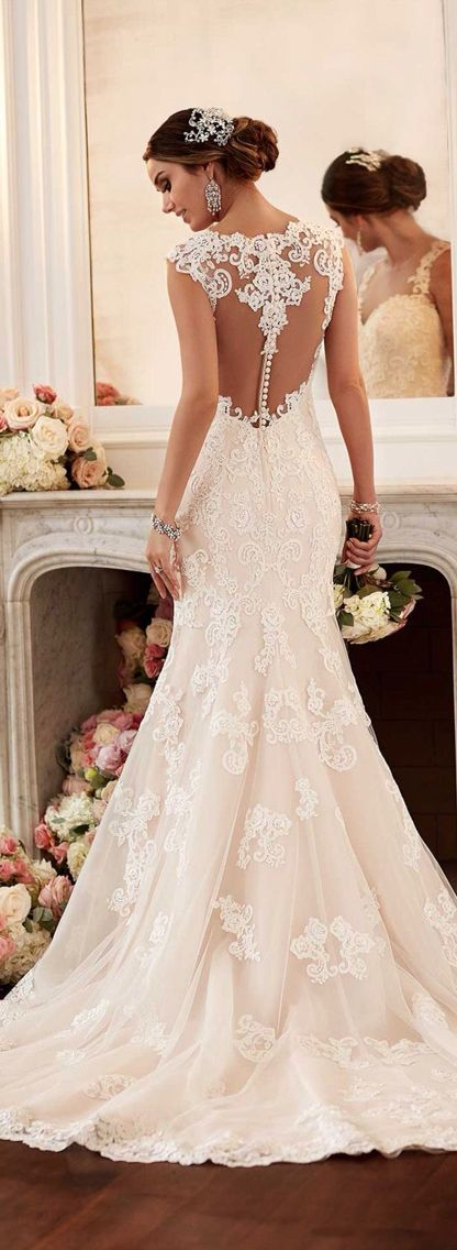 Amazing Open back wedding dress very elegant