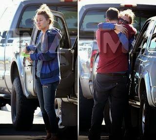 Chatter Busy: Paul Walker's Girlfriend Breakdown After Paul Walker's Death (PHOTOS)