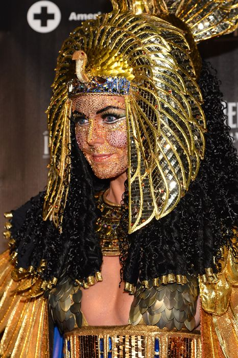 The Queen of Halloween - Heidi Klum in a fabulous Egyptian costume! She's already getting started on this year's costume!
