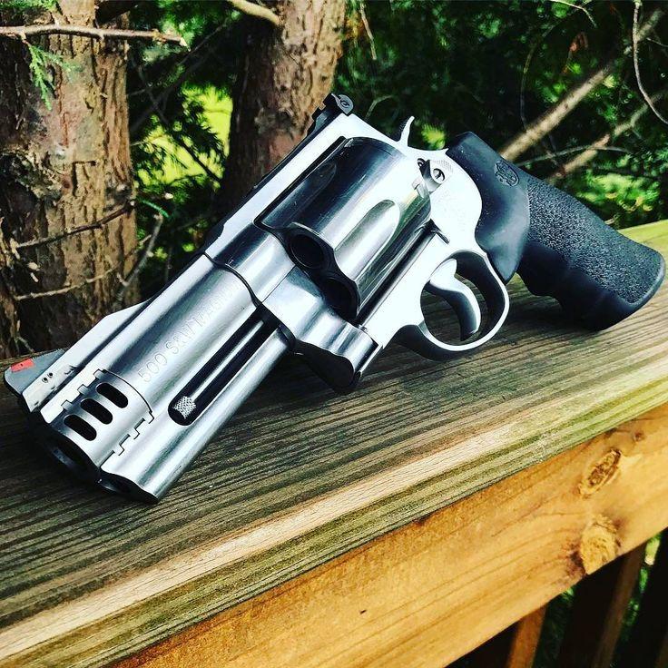 4,136 отметок «Нравится», 5 комментариев — LEGÍTIMA DEFESA® (@legitimadefesa_br) в Instagram: «500 S&W Magnum. CRÉDITO: @fridgeoperator #gunchannels #gunsofinstagram #smithandwesson #rangeday…»