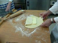 Vajas tészta ( sajtos pogácsa, sajtos rúd, ízes levél) - Cukrász sütik