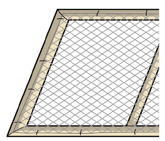 2. Si deve quindi fissare sul retro della struttura una rete plastica trasparente con una spara punti.