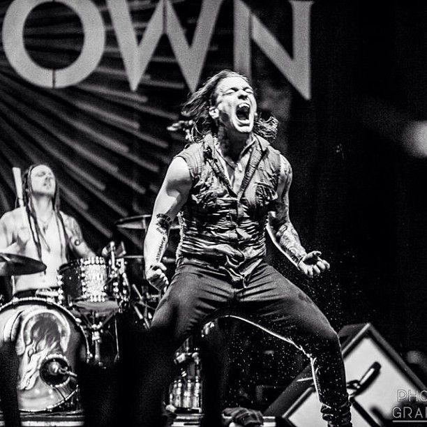 Brent Smith- Photo by shinedownsnation