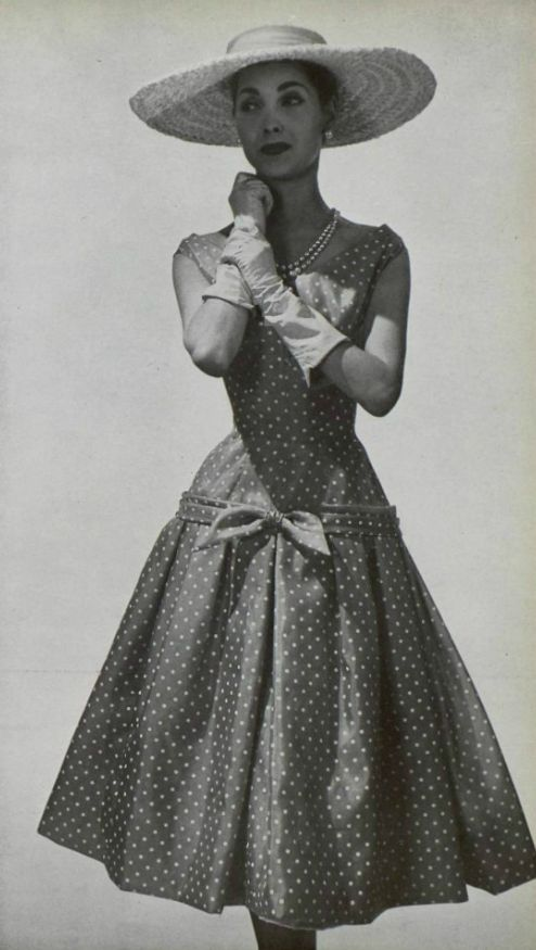 "♥♡♥♡♥Thanks, Pinterest Pinners, for stopping by, viewing, re-pinning,  following my boards.  Have a beautiful day! ^..^ and ""Feel free to share on Pinterest ^..^ #streetfashion   #fashionupdates #vintagedresses"