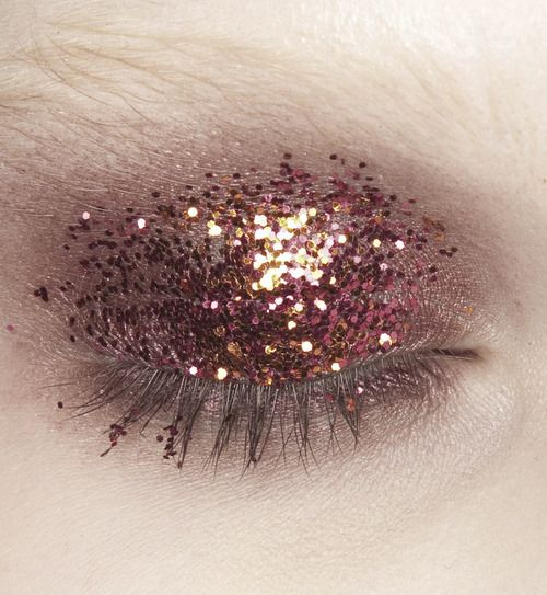 More rose gold makeup inspiration here - http://dropdeadgorgeousdaily.com/2014/02/rose-gold-makeup/