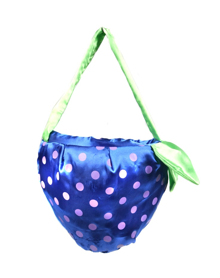 Keep your @Ocean Spray goodies safe in this cute blueberry blue fruit-shaped bag - it looks cute enough to eat!  #berryblueBlue Fruit Shapped, Fruit Shapped Bags, Goodies Safe, Fruitshap Bags, Fruit Bags, Blue Bags, Blueberries Blue, Spirit Halloween, Ocean Sprays