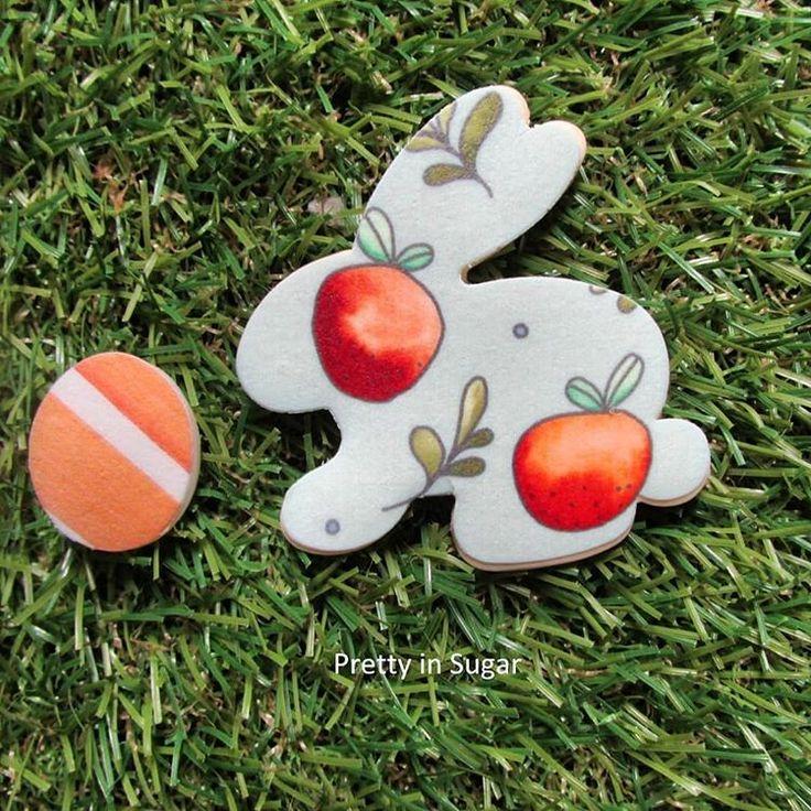 Happy Egg Hunt! #easter #easter2018 #easterbunnies #eastercookies #watercolorpatterns
