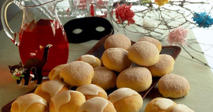 Boller op, boller ned... prøv at være i god tid og alligevel server nybagte fastelavnsboller! Bollerne kan både fryses ubagte eller hæve i køleskabet natten over.