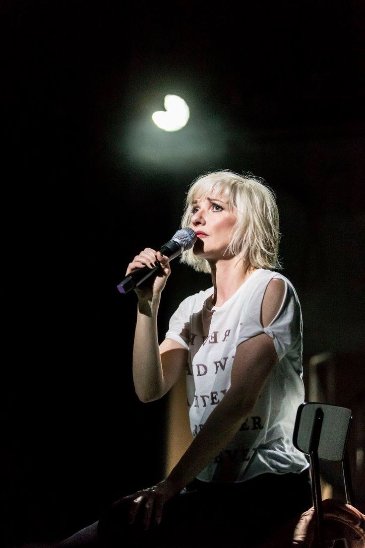 If You Kiss Me, Kiss Me @ the Young Vic (April 2, 2016)  Jane Horrocks in If You Kiss Me, Kiss Me at the Young Vic ©Johan Persson