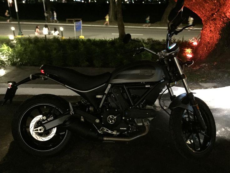 Ducati Scrambler 62 gun metal grey