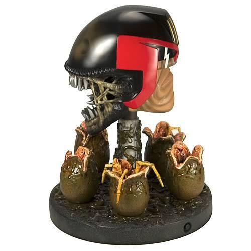 Judge Dredd vs. Aliens Statue.