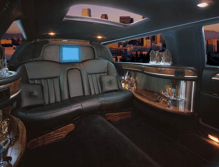 Santa Barbara black 6 passenger limousine Lincoln Town Car