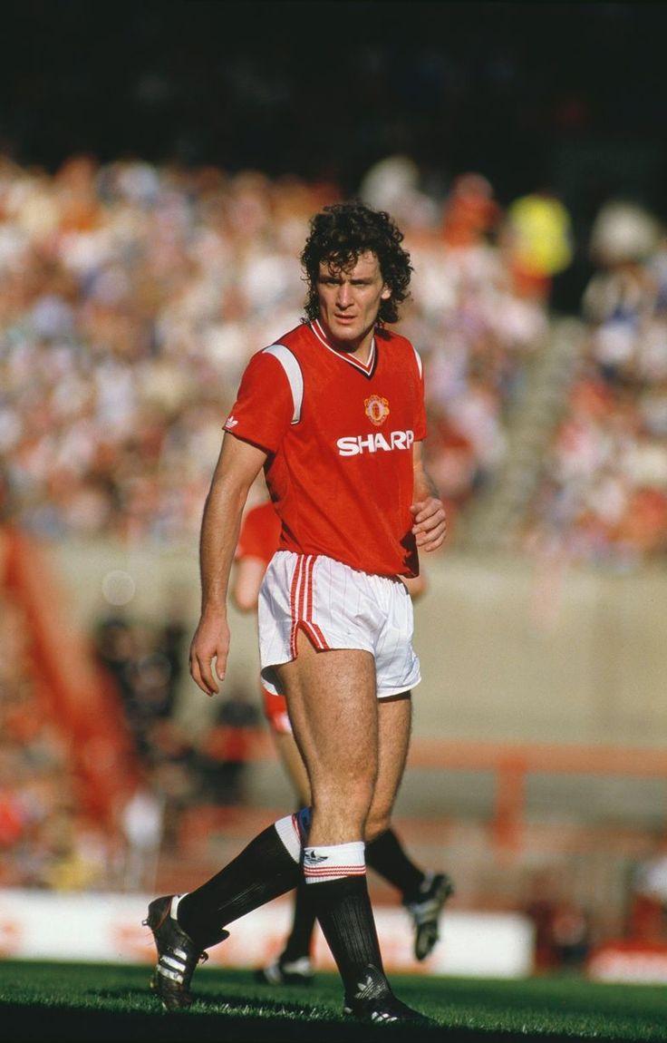 Mark Hughes, Manchester United, 1985. Shirt available from camporetro.com.