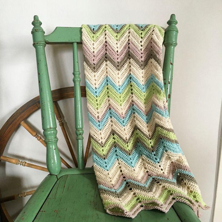 En bebisfilt som jag har virkat  #bebisfilt #virkat #crochet #virkadfilt
