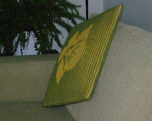 Daffodil - Illusion knitting cushion cover or wall-hanging