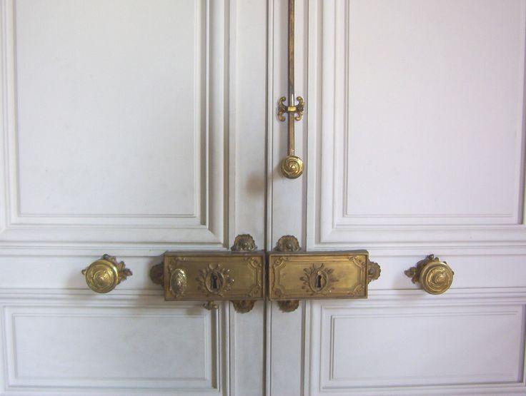 best 25 serrure ancienne ideas on pinterest serrure portail cles antiques and serrure porte. Black Bedroom Furniture Sets. Home Design Ideas