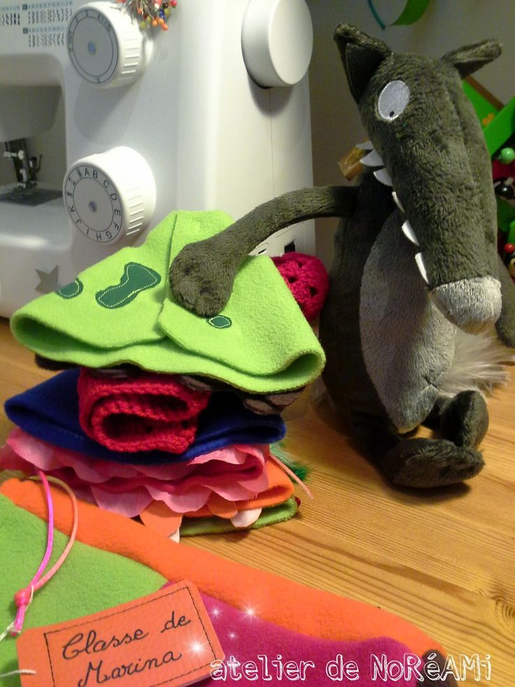 Le loup qui voulait changer de couleurs, petit sac et vêtements - atelier de noréami
