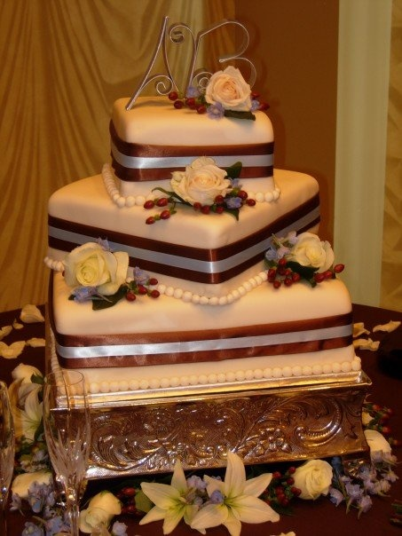 The Resort at Glade Springs is a full-service wedding venue, featuring an in-house patisserie that crafts wedding cakes to the most exacting specifications.