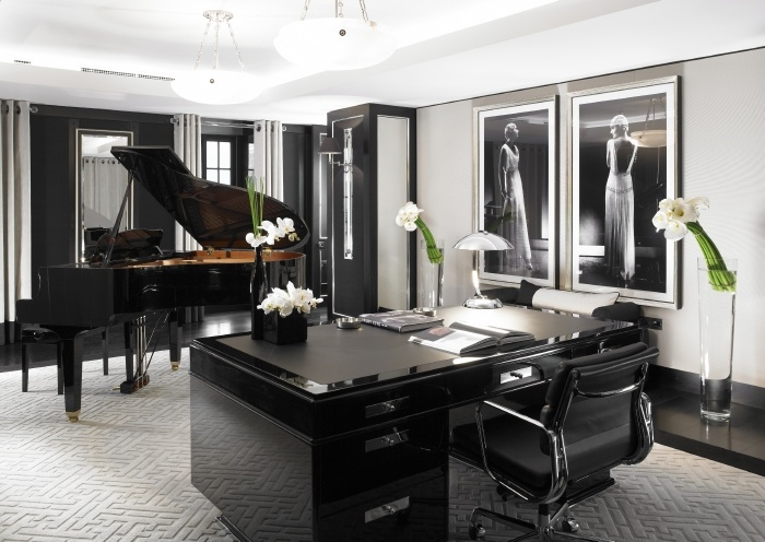 Decadent Piano In This Luxury Five Bedroom Penthouse At Jumeirah Grosvenor  House Apartments