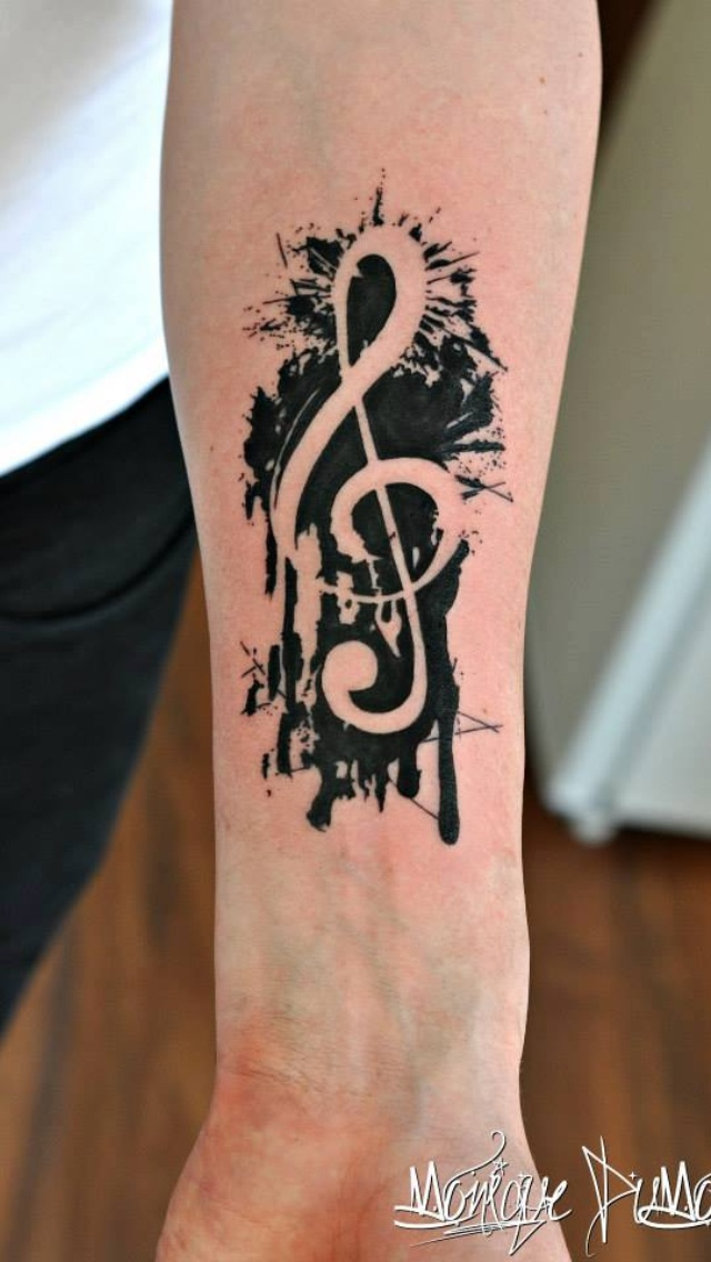 "Black and white Music note, ""water color"" style"