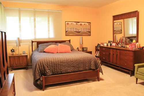 Find great vintage furniture deals on craigslist 4 tips for Furniture deals bedroom sets
