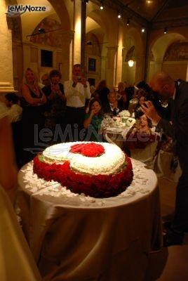 http://www.lemienozze.it/gallerie/torte-nuziali-foto/img30369.html Torta nuziale a forma di cuore