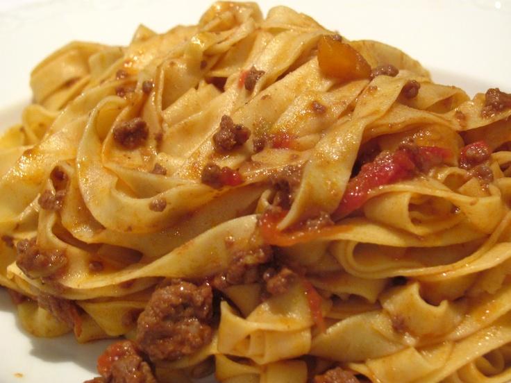 Le #tagliatelle al ragù, vero must della cucina bolognese. Io consiglio quelle del Ristorante #Fresco di Persiceto!!! https://www.facebook.com/ristorantefresco.persiceto