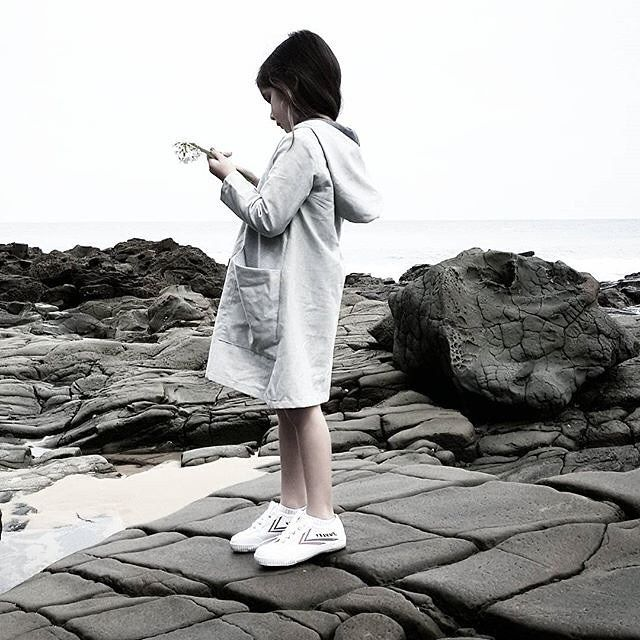 Motoreta 30% Off www.jellydoor.com.au This is just one of many amazing photos from @littlebigkirks of her gorgeous kids. Wearing the @motoretakids Eileen Dress which is now on SALE www.jellydoor.com.au #motoreta #fashionkids #coolkids #hipkidfashion #beach #lapetitemag #ministyle #kids #kidsfashion #jellydoor #sale #onlineshop