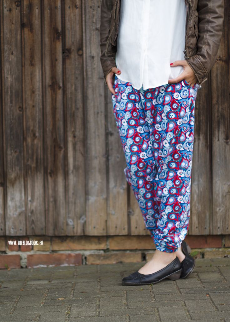 theblogbook | sewing | paisley pants with blouse and leather jacket, lillestoff, enemenemeins