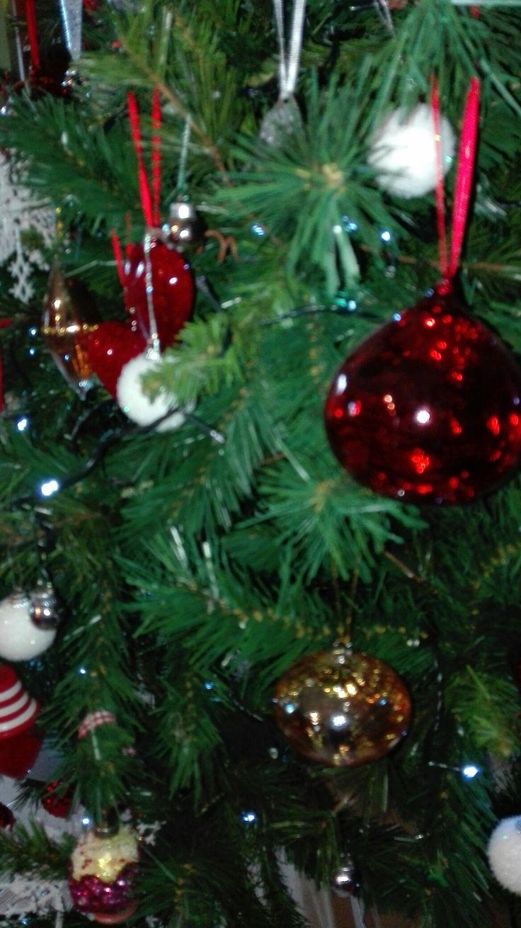 albero bianco rosso e argento