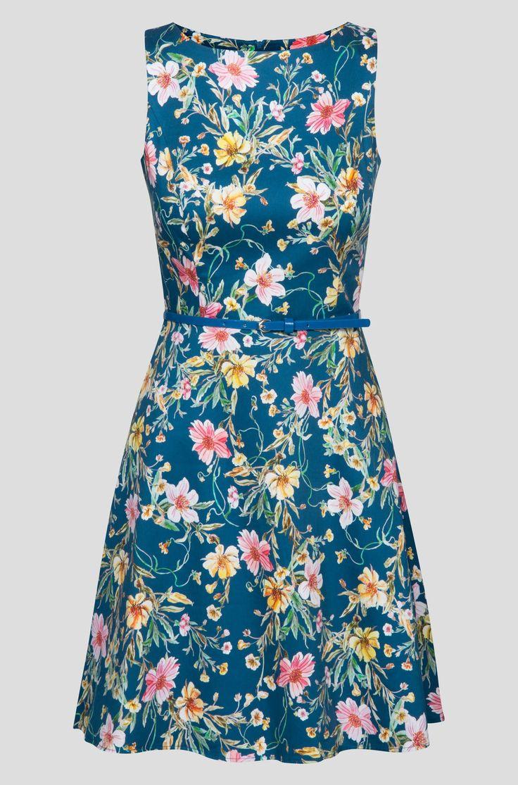 Sukienka w egzotyczne kwiaty