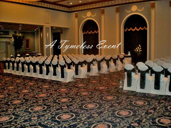 wedding reception head table setup | Hotel Saskatchewan…Classic Black & White!