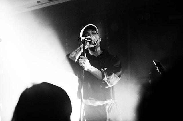 Dre • • • #hellions#operaoblivia#baldfacedstag#contrast#blackwhite#nikon#postshowblues#postshowblurs#vsco#vscocam#instagood#instagramers#sydney#sydneynightlife#exploreeverything#goshoot#photographers_tr#photo#concert#bandphotographer#bandphotography#sydneyphotog#unfd#happybirthday#fam#unified