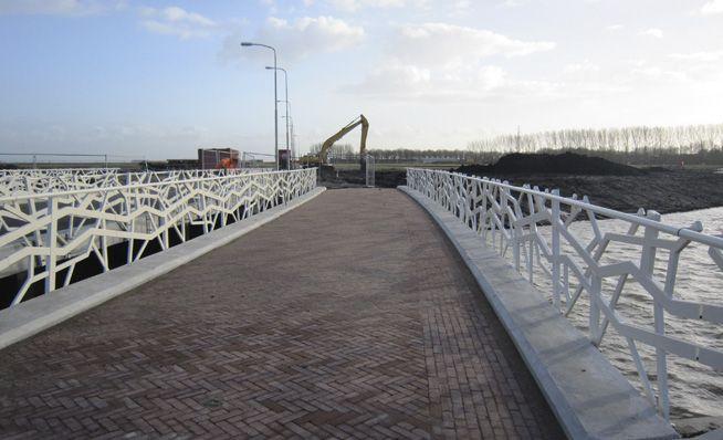 LOOS van VLIET / Bureau B+B - 14 bridges, Blaricum