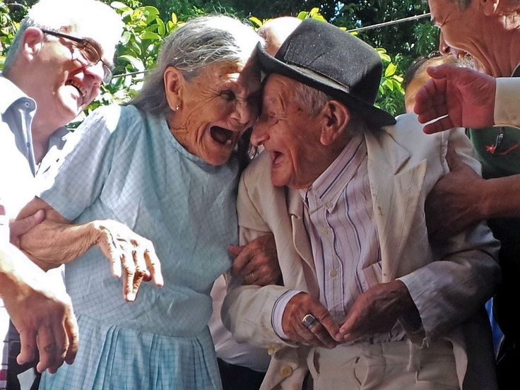 20 photos poignantes qui montrent que l'amour n'a pas d'âge !