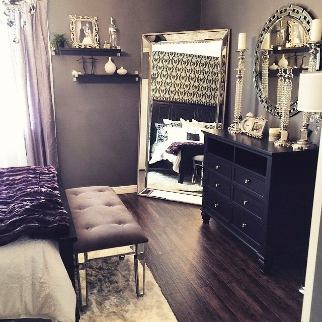 23 decorating tricks for your bedroom - Mirrored Dresser Cheap