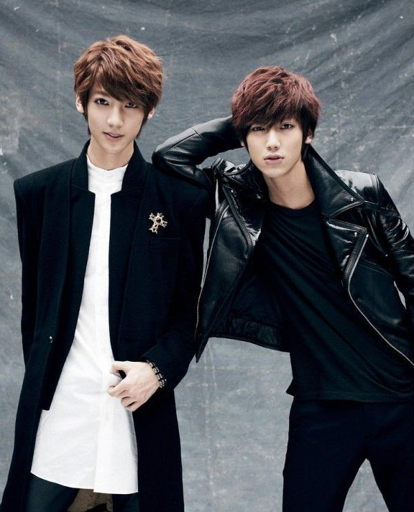 """Boyfriend has released the teaser photo for the twins Youngmin and Kwangmin!  The photo was released through Starship Entertainment's Twitter with the words, """"2013.01.10, Boyfriend is having an unexpected comeback! Providing you with the teaser for Youngmin and Kwangmin, who came back as homme fatales. Please promote us a lot~^^""""."""