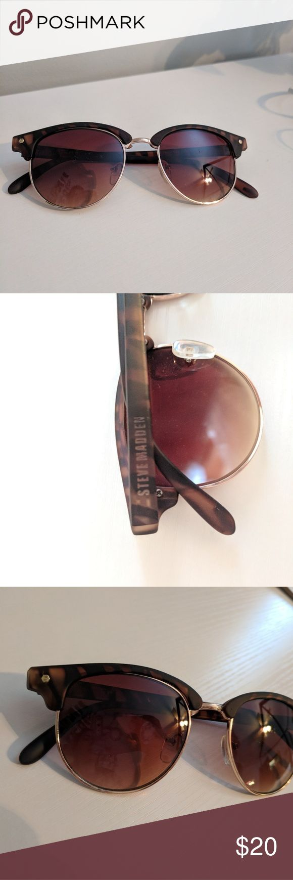 Steve Madden sunglasses Only worn a couple of times Steve Madden Accessories Sunglasses