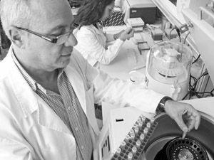 «Lo peor es depender de otros países para cuestiones básicas, entre ellas la alimentación»  Carlos García Izquierdo Profesor de Investigación del CEBAS-CSIC. Investigador Responsable del Grupo 'Enzimología y Biorremediación de Suelos y Residuos Orgánicos'.